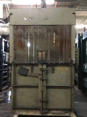 Piqua Series 40 Vertical Baler T-13196